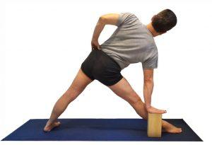 tabique de madera para practica de yoga